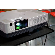 UNICK UC40 LED Projector